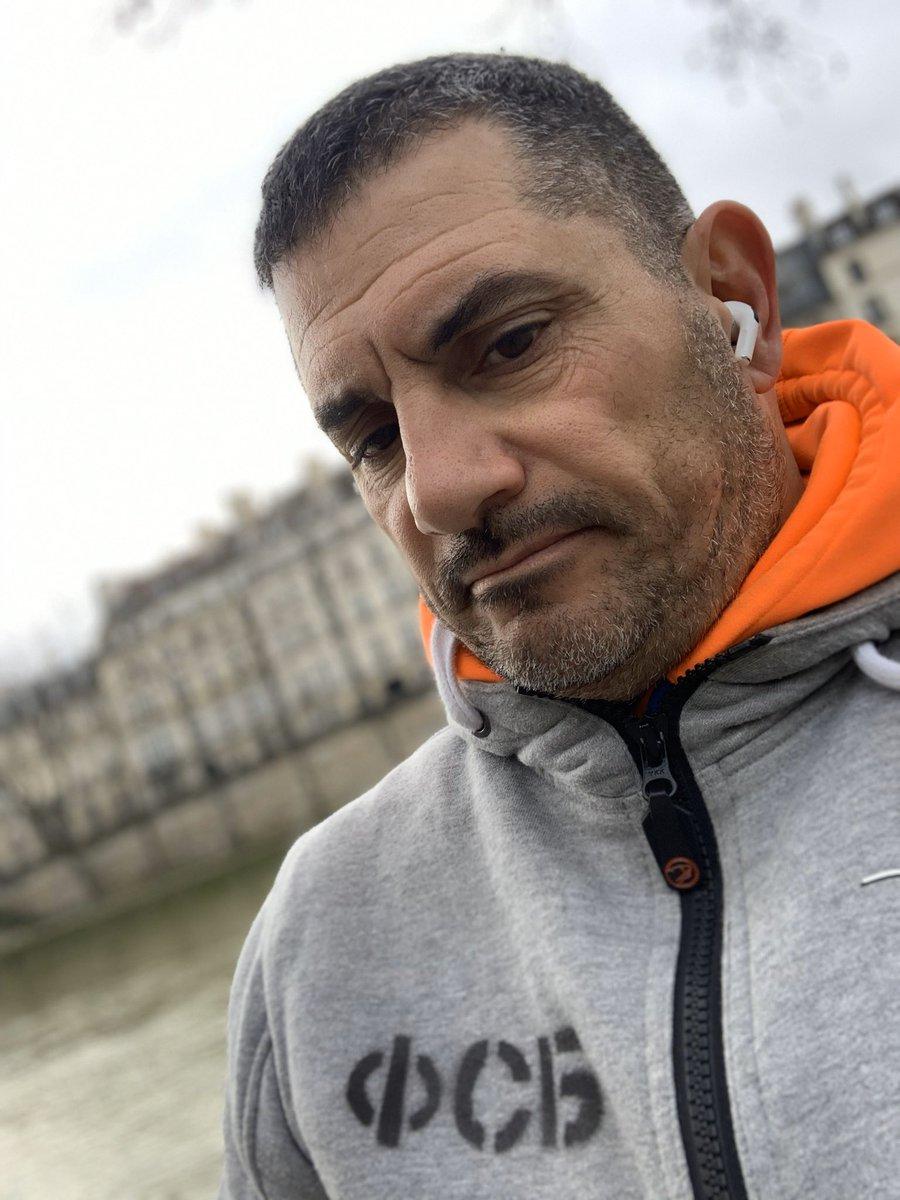 #run #run #baby #Paris  @andrebenamou 👍🏋️♀️🇫🇷❤️