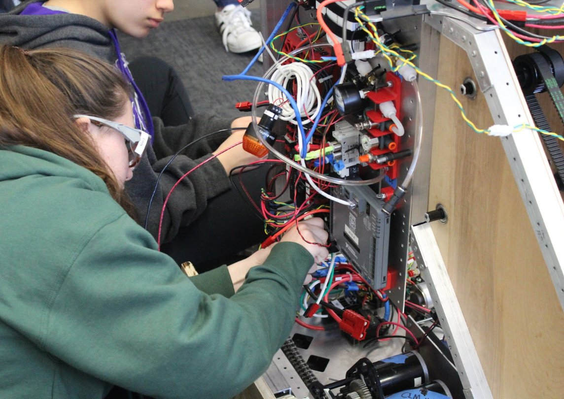 With Week 7 of Build Season coming to a close, We are excited to see all the game components, code, and electronics boards come together into a whole robot! #robotics #frc #infiniterecharge #omgrobots #bowsnrobots #girlsinstem #ndsj https://t.co/9AYOegaCar