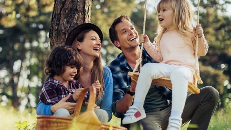 Šest stvari koje ne treba raditi pred djecom https://banjaluka24h.com/sest-stvari-koje-ne-treba-raditi-pred-djecom/…pic.twitter.com/ky1GkqPZzd