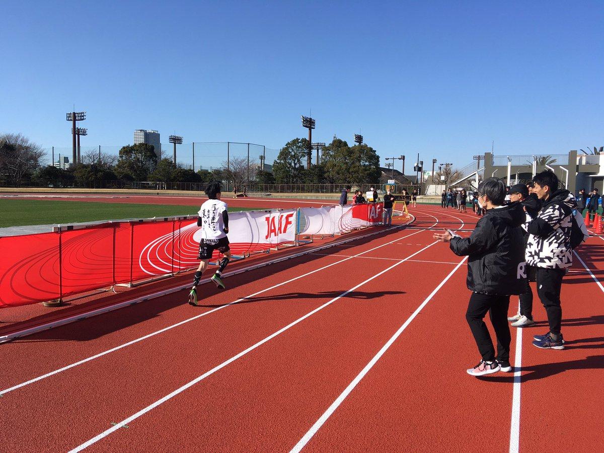 5000mタイムトライアル最終レースには我々のテクニカルコーチ、マイヤーさんが出走。 驚きの18分切り! 感動しました。  #幡ヶ谷再生大学陸上部 #RUNLINK  #RUNNINGDAY pic.twitter.com/aa00R25Zcw