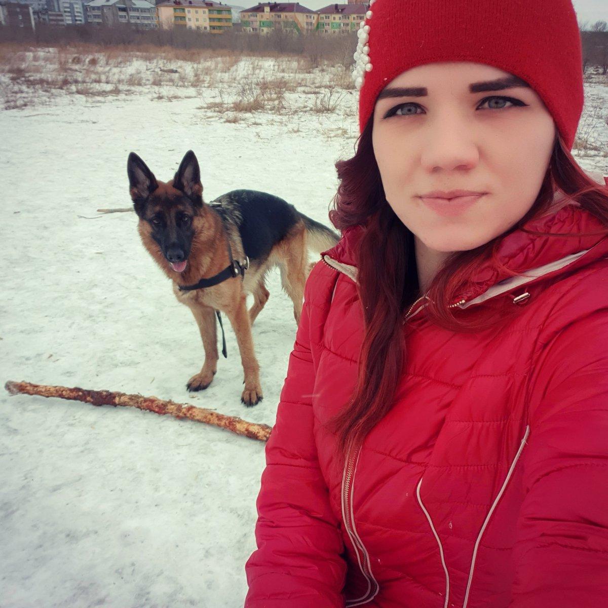 Если вы дорожите отношениями с собакой, то не стоит её игнорировать и надолго оставлять одну. А то ещё привыкнет и посчитает, что без вас ей гораздо лучше... #немецкаяовчарка #собачник #love #следуйзамечтой  #собачникипоймут  #немецкаяовчаркалучшаясобаканасвете #likes #моймалыш