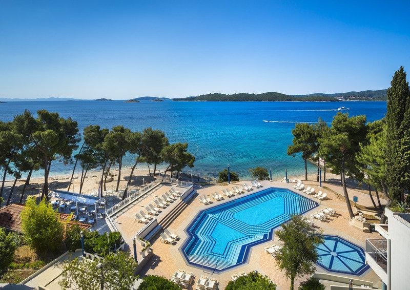 Kroatien Pauschalreise eine Woche - Aminess Grand Azur Hotel 4* Du bist auf der Suche nach einem Perfekten Peljesac Urlaub aufder kroatischen Halbinsel? In Orebic sind wir für euch fündig geworden! Das 4 Sterne Hotel Aminess Grand Azur Hotel  #aminess https://wow-reisen.de/aminess-grand-azur/23901/…pic.twitter.com/qpC9DbXzYg