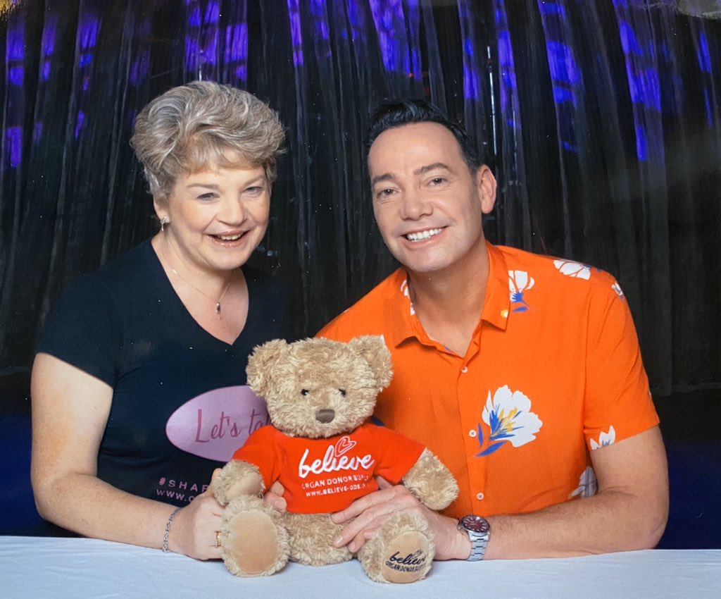 It was a thrill for our founder Sarah to meet @CraigRevHorwood & speak about #organdonation & introduce him to @fraserbearbates.  Please RT & Share the importance of taking about your organ donation decisions with your loved ones.  #Believe #ShareYourWishes #StrictlyComeDancing pic.twitter.com/QALxxqOUK5