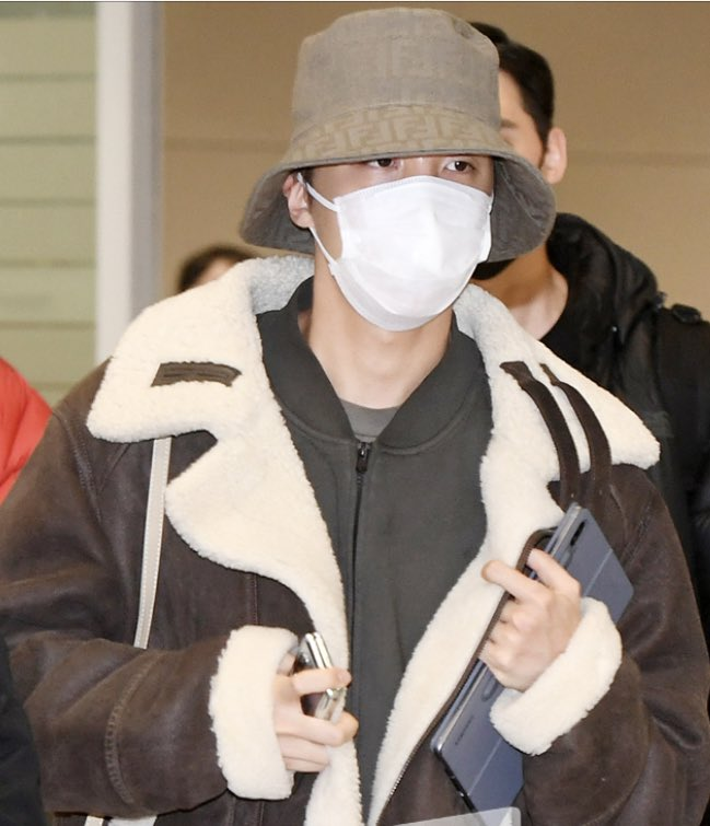 BTS came back in Korea 2/23 @BTS_twt Jhope & Suga<br>http://pic.twitter.com/YIHmA7APHH