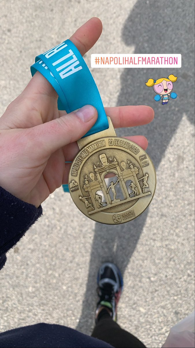 New year new medal! Napoli Half Maraton complete 🤟🏼so happy and v. tired. Thank you @NapoliRunning 💕🏃🏼♀️🏃🏼♀️🏃🏼♀️#napolihalfmarathon #napoli #running https://t.co/WjrsetqehA