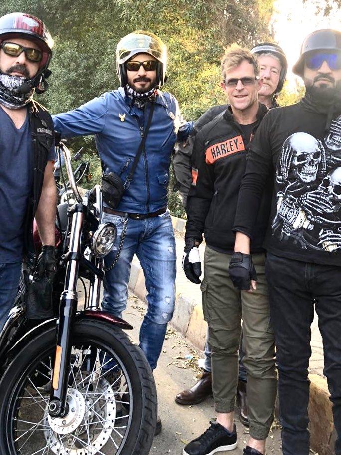 PSL Fever .... continues ...jontyrhodes & Tim joined the Sunday ride .... . . . . #karachi #harleyrider #instamotorcycle #thebeautifulpakistan #motovlog #instamoto #superbike #rideforlife #iphoneography #bikersofinstagram #motocross #motorcycles #iphoneography #motorsikletpic.twitter.com/B9Ir9uYkEo