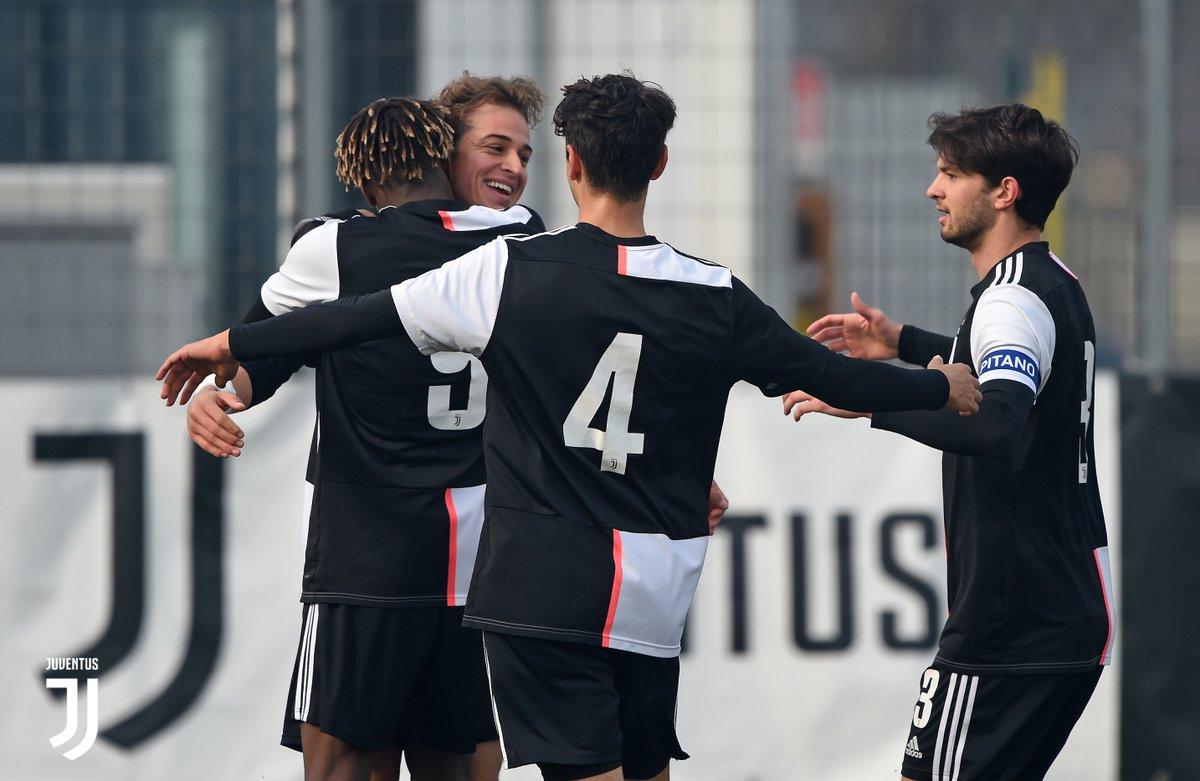 FT | ⏱| Finisce qui a Vinovo! Tre punti per i nostri ragazzi! Avanti così!  #JuvePescara [1-0] #Under19 #Primavera