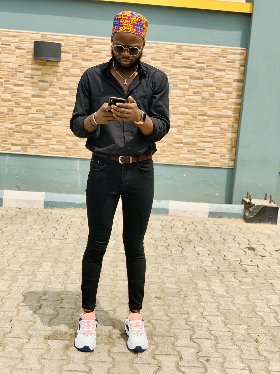 RT @Biisi96: Dressed in all black because I went to bury my problems at the feet of the Most High. https://t.co/4y6HjDD3n9