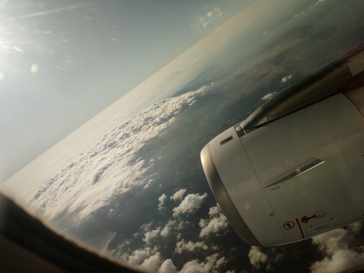 Über Den Wolken...pic.twitter.com/OMqKUWpUaJ