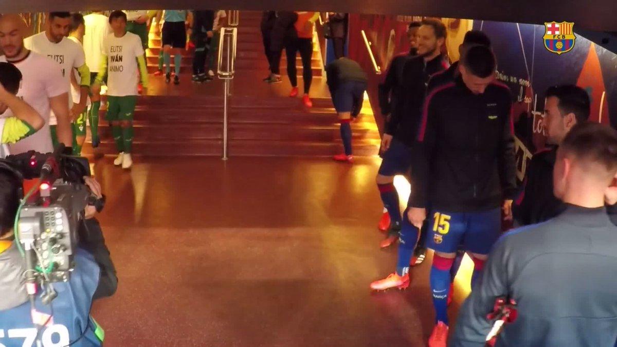 🎥 INSIDE VIEW   @MartinBraith 🎥   Així va viure el danès el seu debut amb el Barça 🔵🔴   🔗 Vídeo complet: http://barca.link/sfWZ50ytwo6