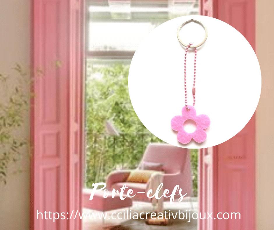 👋 Le saviez-vous ? La #feutrine est un #textile non tissé.... #découpe. #couture #création #solide, #colorée #légère #blog  #porteclefs #keyrings #fleur #feutrine #anneau #ballchains #rose #argenté #accessoires #mode #fashion #followme #cciliacreativbijoux