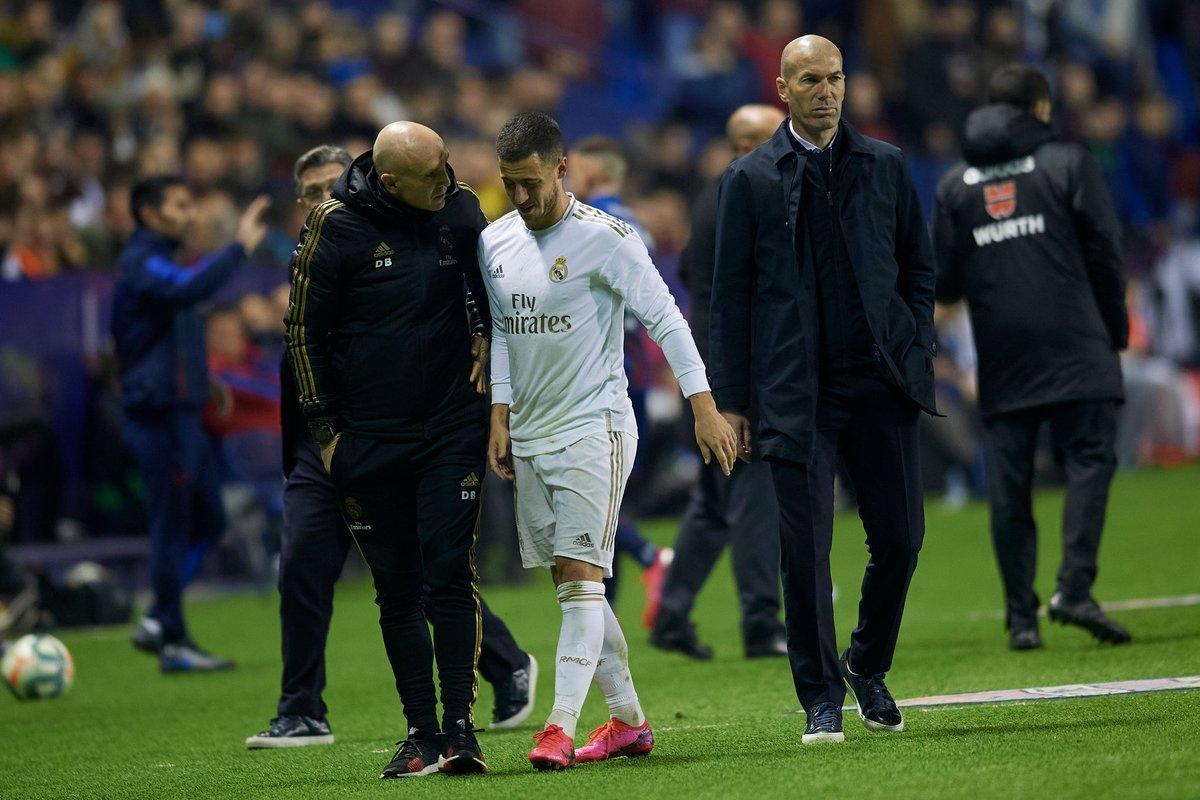 OFFICIEL !  Eden Hazard souffre d'une fissure dans le péroné distal droit. 😷 La saison du Belge pourrait être terminée...