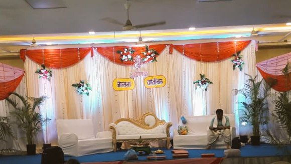 Using right colors and right lighting we can create stunning visual decor for your eyes!!!! #weddingdecor #weddingday #weddingbells #desiwedding #WeddingPlanner #floraltheme #lighting #stagedecor #indianbrides #minimaldecor #bigday #eventdecorspic.twitter.com/u8uBk8JYzi