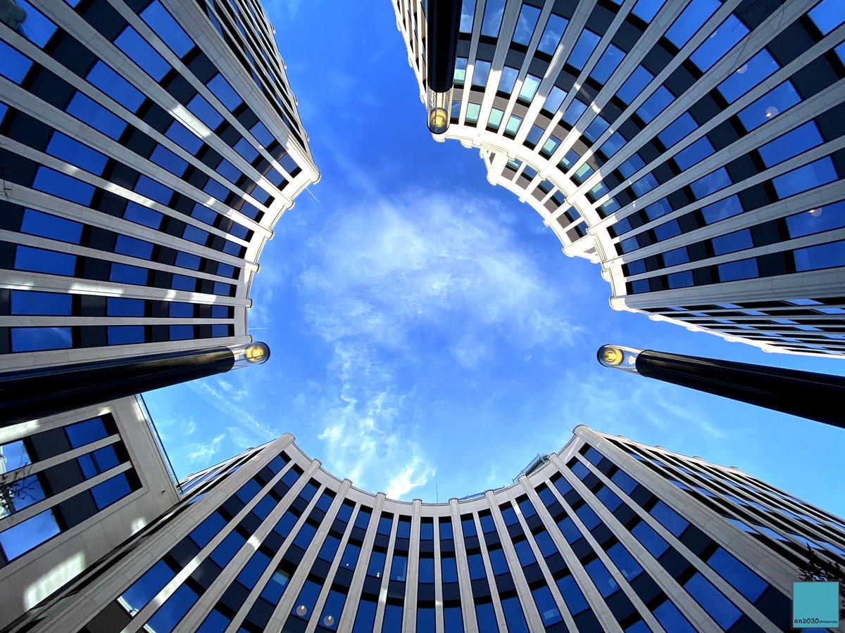 Into the #StresemannQuartier #Buildings in the #Berlin district of #Mitte.  #architecture #architecturephotography #urbanjungle #berlinpage #diestadtberlin #wonderlustberlin #topberlinphoto #symmetrylovers #symmetrykillers #archilovers #archdaily #urbanandstreet #ShotOniPhonepic.twitter.com/MTCVXUGwpz