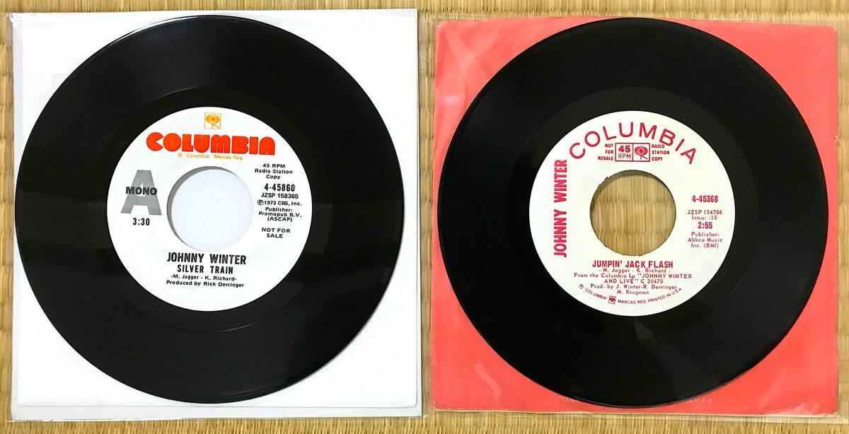 ジョニーのmono盤をつづけて とにかくJJFの方は音が超ド迫力‼️ ライブ盤ではJohnny B. Goodeのイントロ前のあの「ロケンローーー」の叫びも入ってて失神しちゃう〜😆 それにしても本当ストーンズ大好きだよねこの人👍 #JohnnyWinter #HBD #ジョニー・ウィンター #vinyl #SilverTrain #JumpinJackFlash