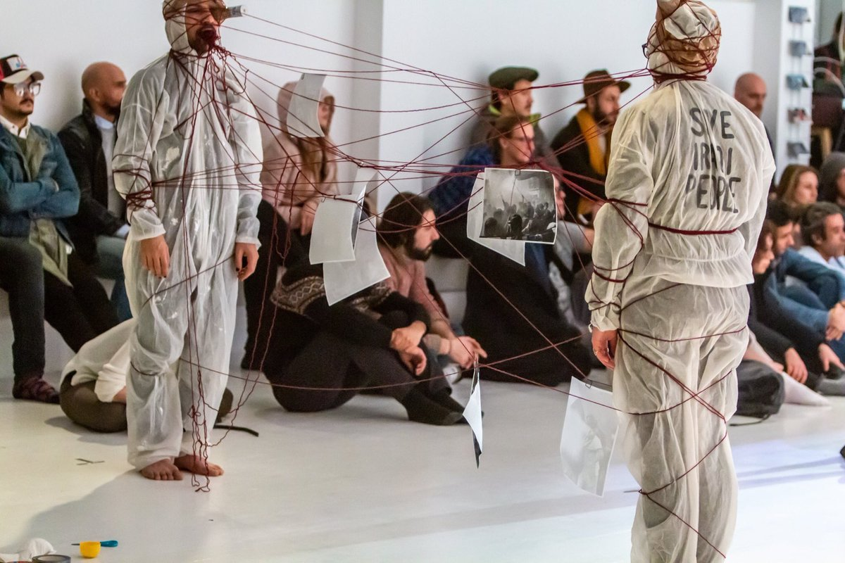 Freedom of expression. Is one of the simplest human rights. Protestation.. Art... Freedom of expression Performance (Borders & Venose) #brunnenpassage  #save_the_iraqi_people #نازل_اخذ_حقي #FreedomOfExpression #art #wien #baghdad #Revolution #performance_art #performance