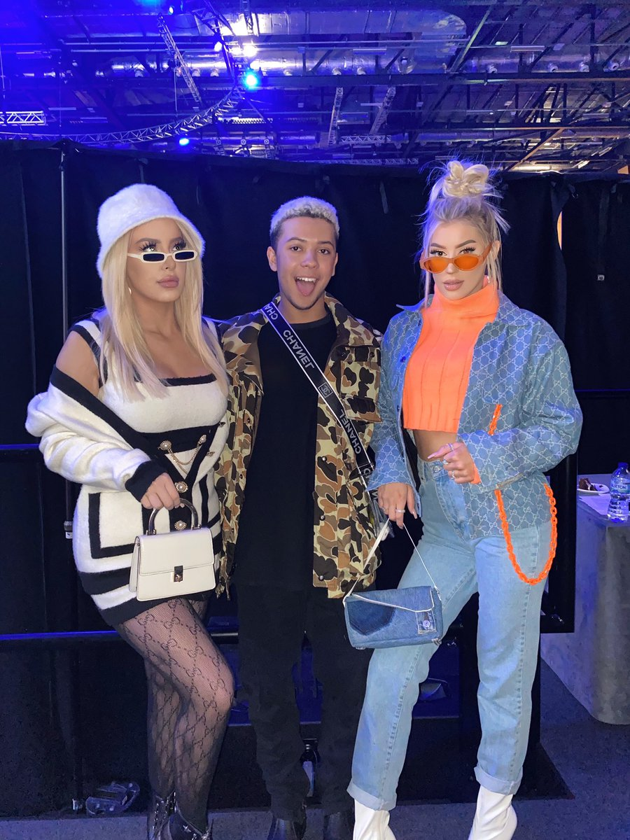 .@tanamongeau, @imari, and @AshlySchwan are giving @VidCon London fans a first look at #MTVNoFilter Season 2. Catch the premiere tomorrow on http://YouTube.com/MTV!