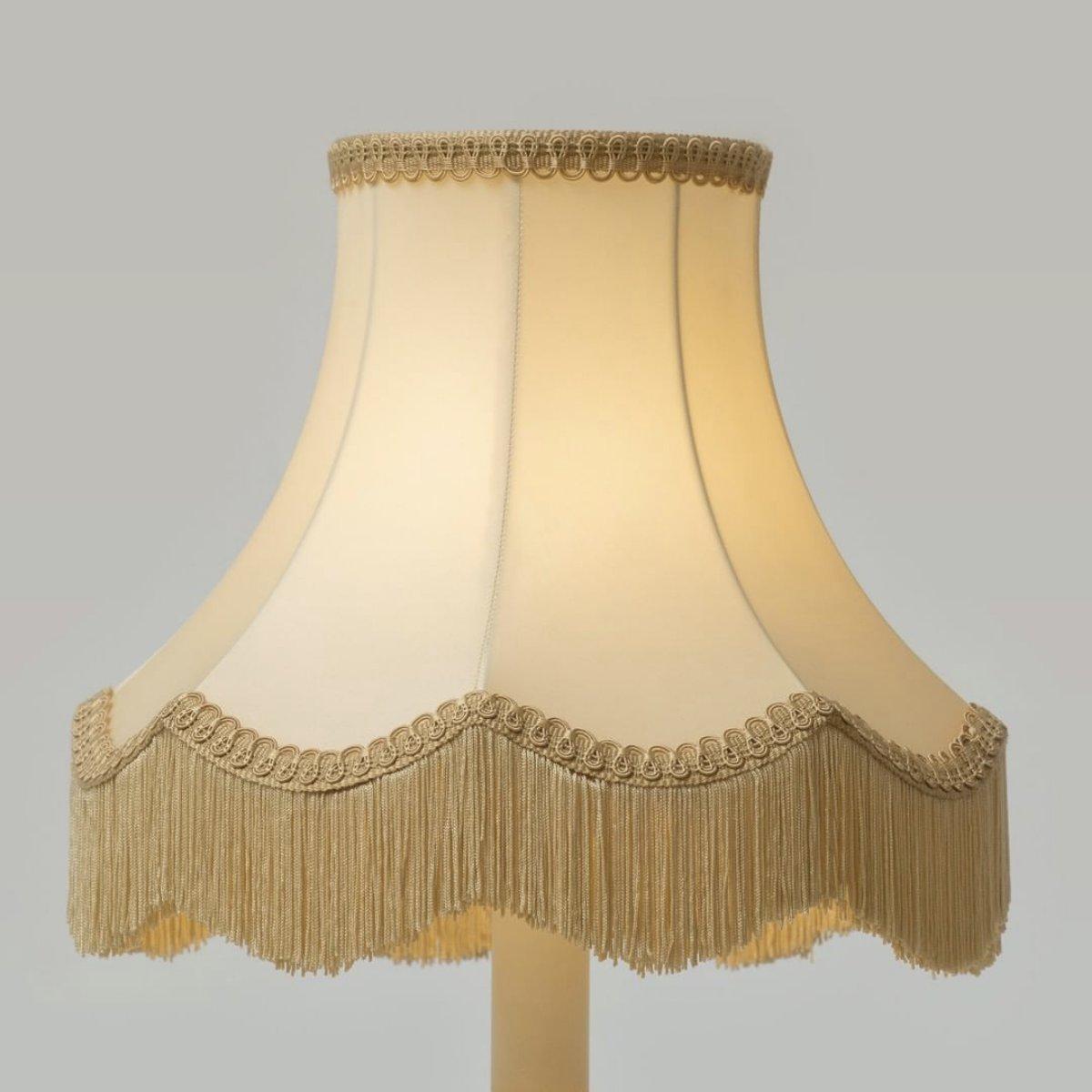 Découvrez la Maison Lucien GAU sur  #maisonluciengau #lustres #art #handmade #luxury #bronze #artisan #alafrancaise #light #luminaire #artwork #frenchdesign #designer #luxe #gold #decor #madeinfrance #artist #frenchstyle #france #paris #lumitop #luciengau