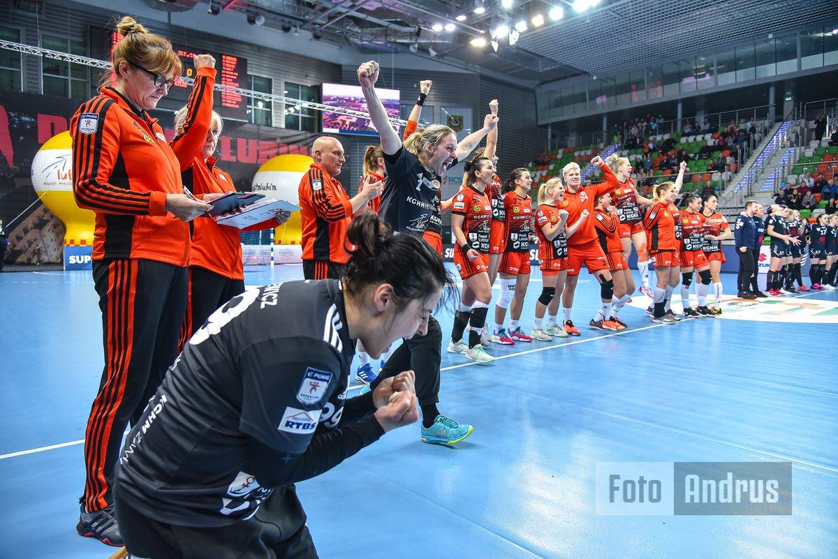 Wygrana po karnych!!! @MKS_ZL - #Koszalin @SLkobiet #reczna #handball #pilkareczna @handballpolska #sport @sport_tvppl @NikonPolskapic.twitter.com/GaH0gLnpAz