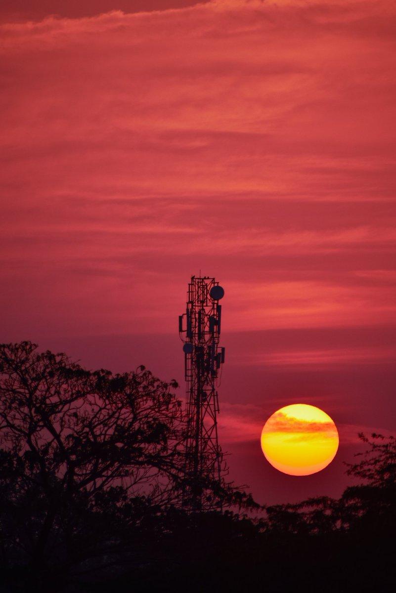 SUNRISE TIME  #sunset #sunrise #photographylife #sunrise #nuture #wildphotography #sunsetlover #natgeoyourshot #nuture #gujarat #india #ganeshphotography22 #night #ganeshkantamsetti #travel #nikon #nikontop #nikonindia #nikonwildlife #nikonphotography #nikond5300