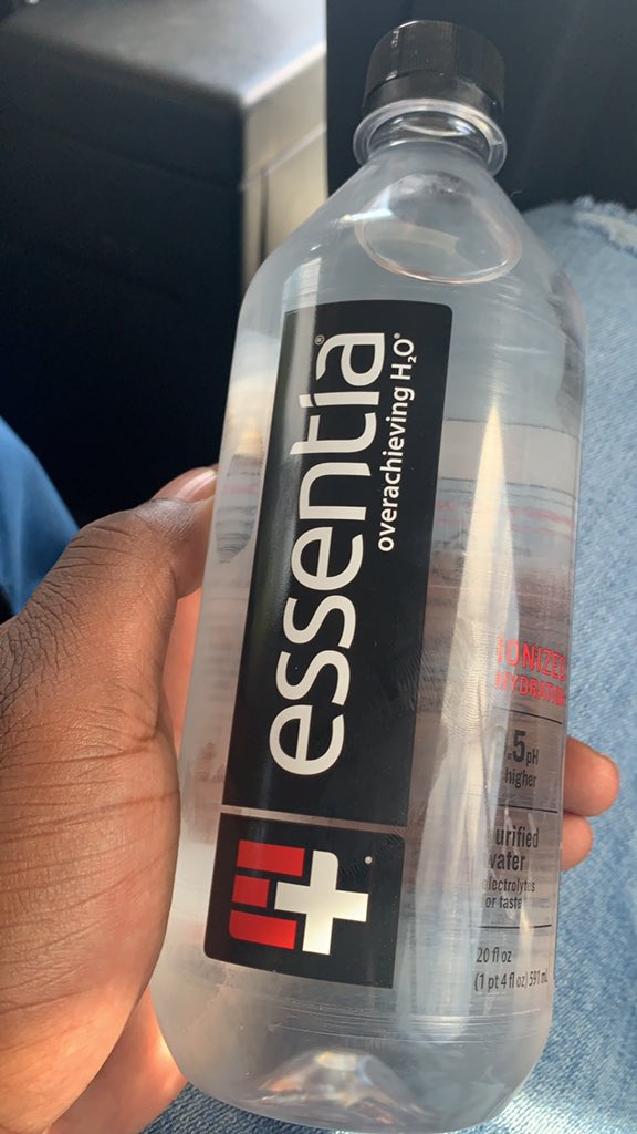 @essentiawater Life ❤️🖤 https://t.co/XPnXcdLsPu