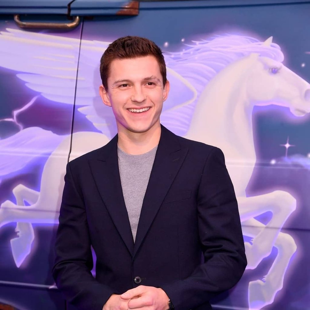 This just makes me think back on the Jordan Fisher video. Yes, TOM HOLLAND MUST BE PROTECTED AT ALL COSTS!!!!