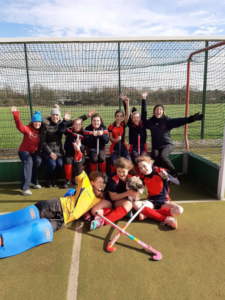Thank you @Cardiff_Hockey @CowbridgeHockey for some lovely hockey this morning in Tondu. Well done @RhonddaLadies Under 11's. 10 goals scored @SWYHA1 @SportRCTpic.twitter.com/wOXpikpeDC