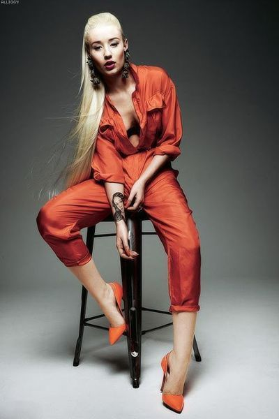 """Sizzling Hot Iggy Azalea """"Change Your Life fte. TI"""" #MusicVideo #DianaMarySharpton #ImGoing #2ChgUrLife #Love https://buff.ly/2vRYOs8pic.twitter.com/CGNp9GbxNo"""