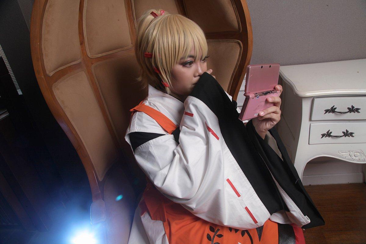Magical Girl  by https://facebook.com/dejikodaiohcosart/…  #comissionPhoto #cosplay #cosplayer #コスプレ  #コスプレイヤー #bandung  #indonesia  #photography #anime #chraracter #dejikodaioh  #magicalgirl #魔法少女 #groupphotosession #old #90skidpic.twitter.com/ttKh15ASuB