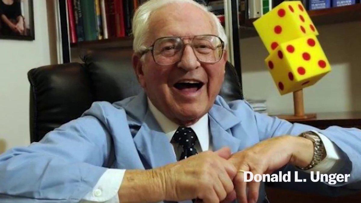 Pendant plus de 50 ans, le médecin Donald Unger a craqué les doigts d'une seule de ses mains, sans craquer ceux de l'autre. Il voulait voir s'il aurait l'arthrite. Ses deux mains sont restées les mêmes et il démontra que l'arthrite ne s'attrape pas en craquant les doigts.