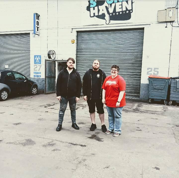 Sweaty post practise pic outside @SoundHaven, we're ready for SMASH FEST!!! #SmashFestCardiff #CardiffMusic #punk #punkband #punkfestival #rock #rockband #cardiff #wales #supportyourscene #themooncardiff #livemusic #cardiffmusicscene #punkrock #welshpunkpic.twitter.com/krkqUs7tbg