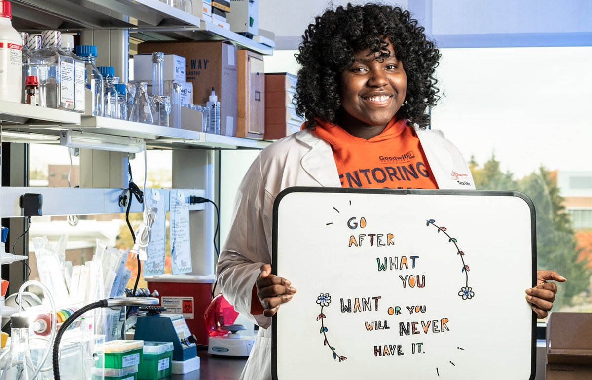 Tara-Yesomi Wenegieme, a biological sciences major at Wright State, works in the lab of renal physiologist Clintoria Williams and helped linked zinc deficiency to high blood pressure. Read more: http://bit.ly/2vZ0C2u  #WrightStateRightSchool #WrightStateRightNowpic.twitter.com/CvuUEKUmMb