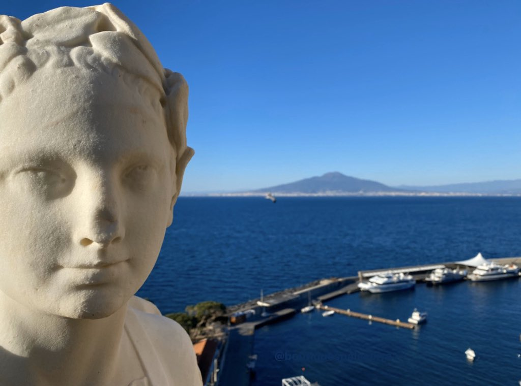 In Sorrento winter days are as beautiful as the summer ones. . . . #luxuryhotel #holiday #Italytrip #panorama #travelcouple #spa #wellbeing #travelgirl #wellness #italy #beauty #bellezza #beaute #красота #массаж #skincare http://ow.ly/Euy830eygHg pic.twitter.com/vnyhCx74lo