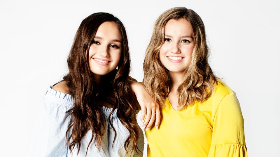 These teen sisters cooked bath bombs in their kitchen. Now it's a $20 million-plus per year business http://on.forbes.com/60151lsG5  #ForbesUnder30