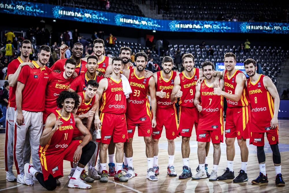 España 🇪🇸 recibe en el Príncipe Felipe de Zaragoza a Polonia 🇵🇱 (en directo en Cuatro), en las ventanas de clasificación para el #EuroBasket2021  ¡A por el 2️⃣-0️⃣ !