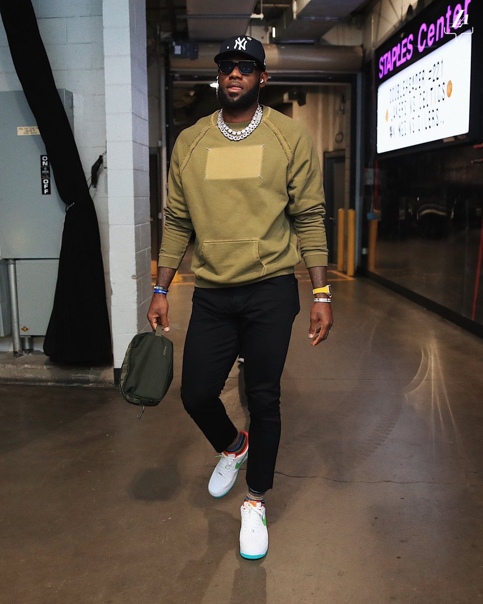 """.@KingJames pulls up early for Celtics/Lakers. """"Shibuya"""" Air Force 1s on-feet. 📸: @lakers"""