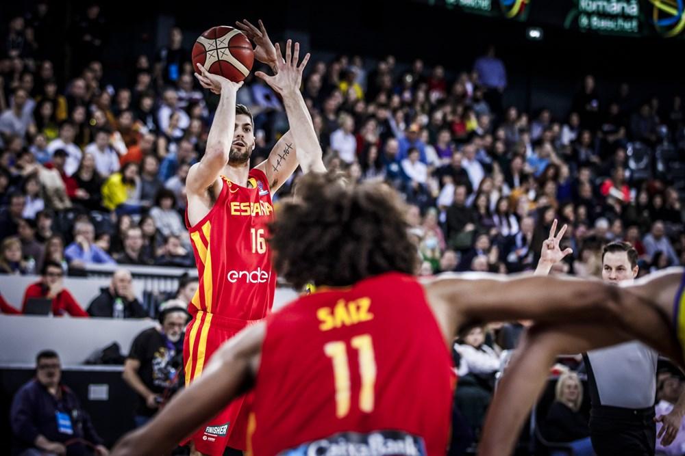 ¡Descanso en Zaragoza!  Los de Scariolo, por detrás en el electrónico frente a una seria Polonia  🇪🇸 35 - 38 🇵🇱  Sebas Saiz (6+8, 11 de valoración), el mejor del equipo español