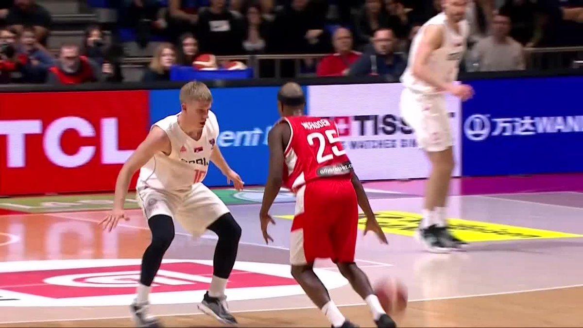 🔥 @ThadJr12 y su TRIPLAZO para que Georgia tumbe a Serbia ¡En Burgos ya saben de lo que es capaz! 🎥 vía @EuroBasket