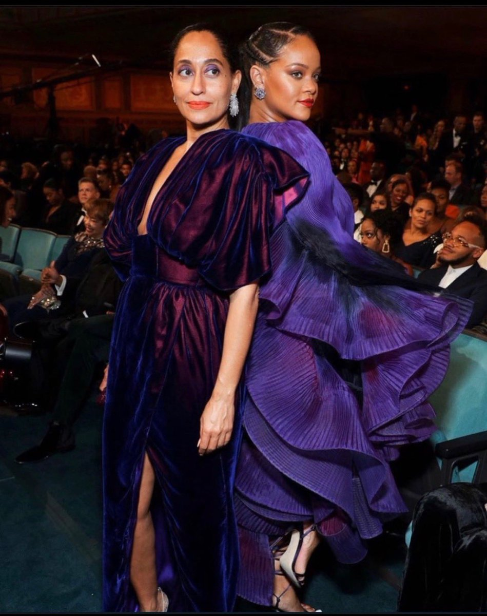 💜I love this woman. Thank you for all you do @rihanna. Congratulations on a much deserved award. Your speech was 👏🏾👏🏾🙌🏾🙌🏾 #naacpimageawards