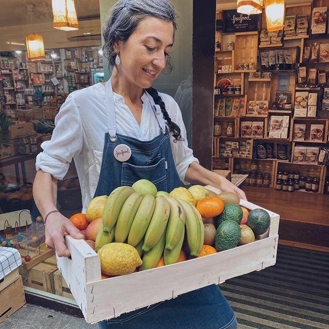 ¡Nos encanta preparar la tienda para nuestros clientes/as! Tenemos mucha variedad de frutas y verduras ¡Ven a conocernos! . . . #vegetables #freefood #freefoodteam #glutenfree https://ift.tt/32hOVjJpic.twitter.com/Rl1fHCJuZC