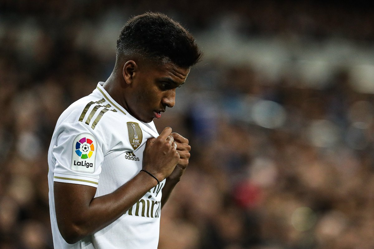 Rodrygo will be suspended for next week's Clasico after being sent off playing for Real Madrid Castilla 😬 https://t.co/yWUj7an2DA