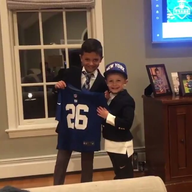 Watch: Young New York Giants fans act out their own NFL Draft