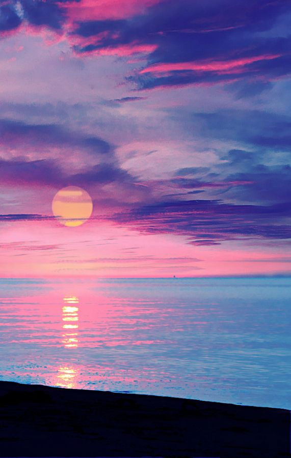 """🌇Good evening friends! ~~ """"The beauty of a #woman is not in a facial mode but the true beauty in a woman is reflected in her soul. It is the caring that she lovingly gives the passion that she shows.."""" – Audrey Hepburn #quote    #sunset #evening #photos"""