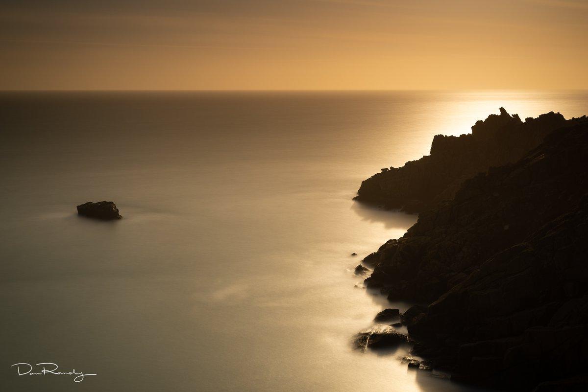 Seghy Island   #landscape #photography #sunset #nature #natgeo #Kernow #Cornwall @BBCEarth @BBCSpringwatch @NatGeoUK @UKNikon @NatGeoTravel @LEEFilters @gitzo_tweet @MindShiftGear @thinkTANKphoto @peakdesignltd @ReallyRightStuf