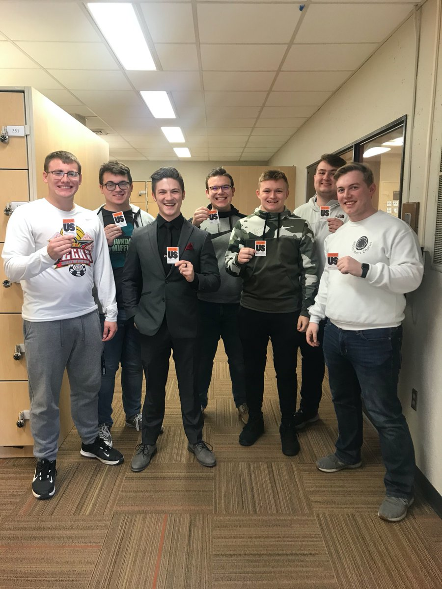 Thank you to the executive board of @BGSUMensChorus for taking the pledge to help end sexual assault on college campuses! We are proud to have organizations in the @BGSUCMA strive to make @bgsu a safe environment for all to thrive. #ItsOnUs