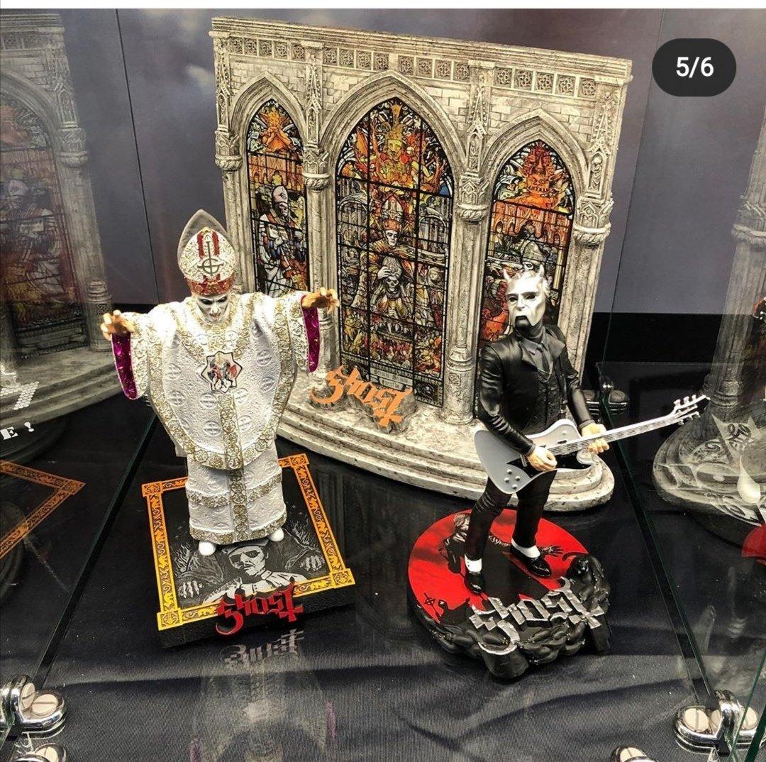 It seems we get more figures of Ghost by Knucklebonz.   Credits: madabouthorror @ instagram Source: https://www.instagram.com/p/B86_z9tlBgY/?igshid=11fblwwsut5lb…pic.twitter.com/EEVx1eFwRl