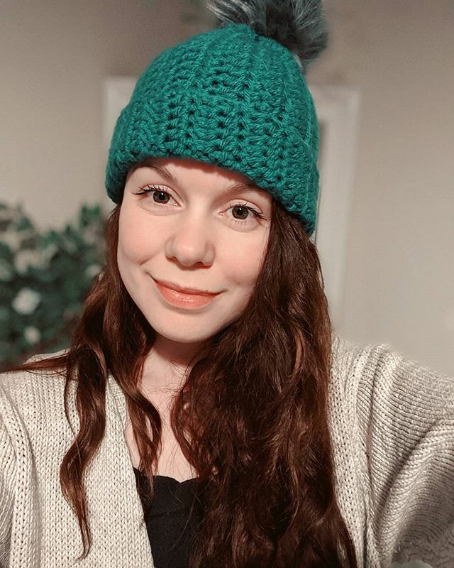 I MADE A HAT! My first little wearable project  In my favourite colour too, I'm so pleased with it!!! #crochet #crochetersofinstagram #crochethat #crochetbobblehat #yarn #teal #crochetaddict #hookedoncrochet https://ift.tt/39XfKw3pic.twitter.com/l5QQ0IfG0X
