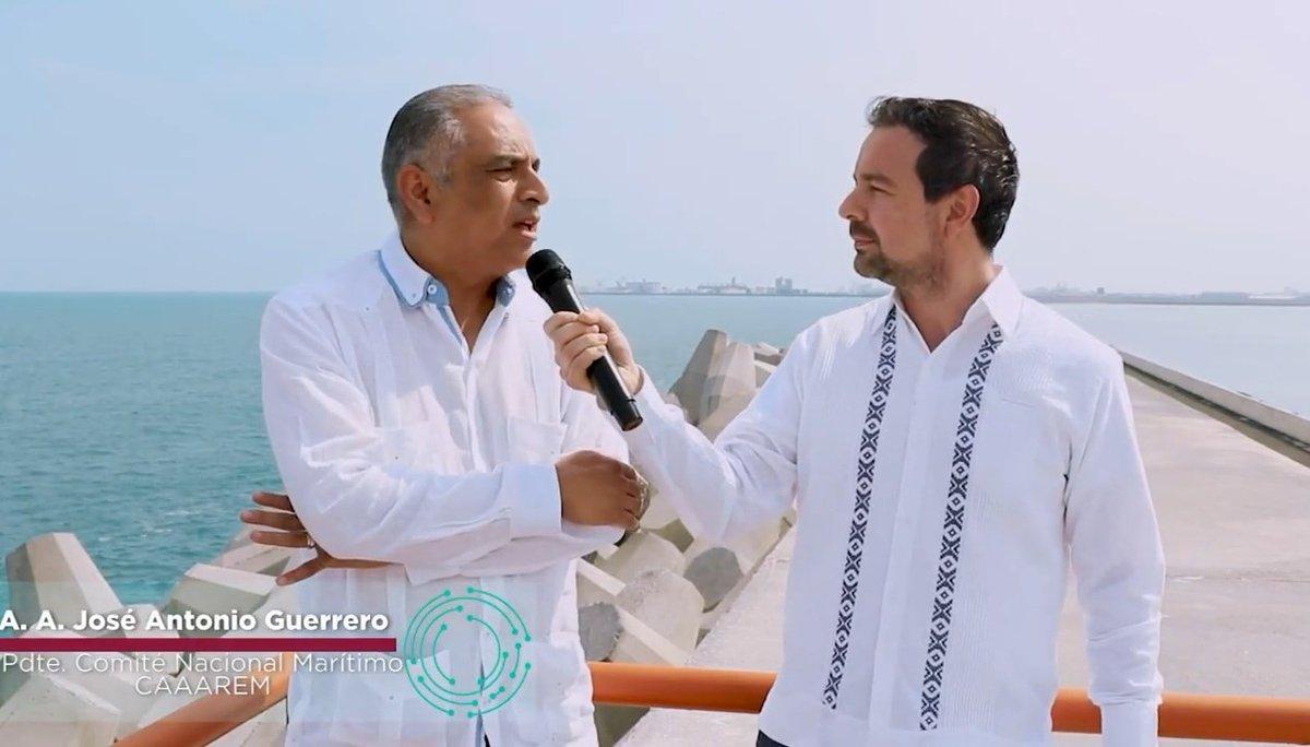 Entrevista con el #AgenteAduanal José Antonio Guerrero Presidente del Comité Nacional Marítimo @CAAAREM transmisión desde #NuevoPuertoVeracruz @API_VERACRUZ  @comceveracruz @tonycampa @AAVAC_CANACAR @ahuedricardo  #Importadores #BL #TLCUEM  #Panamá   https://youtu.be/ZpNBC7ixeWgpic.twitter.com/H0HbHq2CGv
