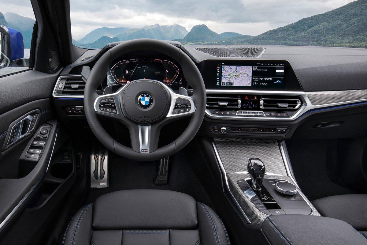 Performance de conducción inigualable que se combina con la tecnología BMW Intelligent Personal Assistant El BMW Serie 3. #THE3 #BMW #BMWSerie3 #BMWImagen #Pedregal #SanAngel #elplacerdeconducir