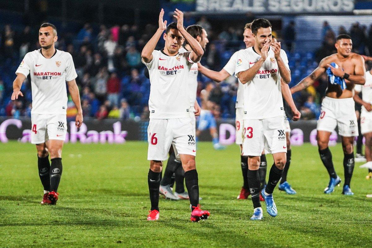 Vosotros sois parte fundamental de todo lo que logramos, afición. El jueves os esperamos una vez más en el Ramón Sánchez-Pizjuán con el pase a octavos de @EuropaLeague en juego. 🇪🇺🏟️  Siempre juntos. Siempre #SevillaFC. ⚪️🔴  #WeareSevilla